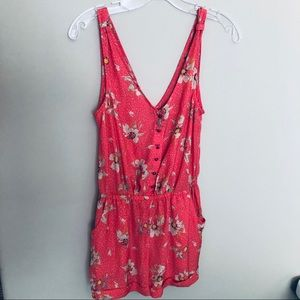 KIMCHI BLUE - Urban Outfitters - Coral Romper